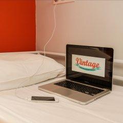 Отель Vintage Paris Gare du Nord by Hiphophostels Стандартный номер с различными типами кроватей