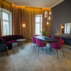 Отель Opus Xvi 4* Люкс
