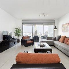 Отель Sea N' Rent - Ramat Aviv 3 Bed Апартаменты