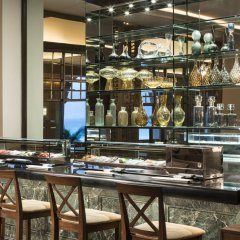 Отель The Ritz-Carlton Cancun гостиничный бар фото 3