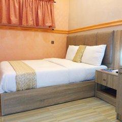 Отель Euro Lounge and Suites 3* Представительский номер с различными типами кроватей