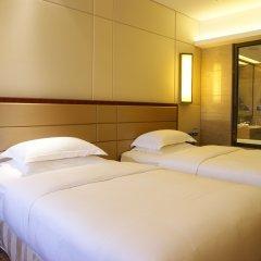 Отель Crowne Plaza Foshan 4* Номер Делюкс с различными типами кроватей