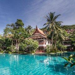 Отель Thavorn Beach Village Resort & Spa Phuket открытый бассейн