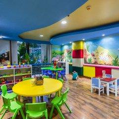 Отель Phuket Marriott Resort & Spa, Merlin Beach закрытая детская игровая площадка