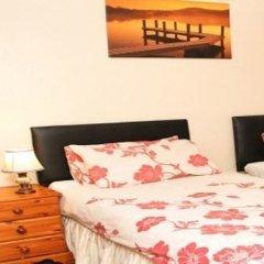 Отель Julius Lodge 2* Стандартный номер с 2 отдельными кроватями (общая ванная комната)