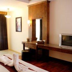 Отель Baan Pron Phateep Номер Делюкс с различными типами кроватей фото 2