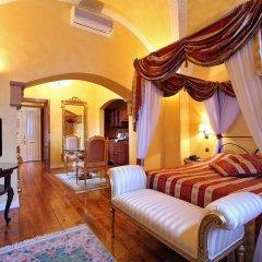Отель Alchymist Nosticova Palace 5* Полулюкс