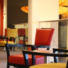 Отель Holiday Inn Munich - Leuchtenbergring лобби