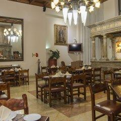 Отель Holiday Inn Suites Zona Rosa Мексика, Мехико - отзывы, цены и фото номеров - забронировать отель Holiday Inn Suites Zona Rosa онлайн питание