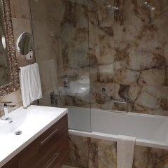 Отель Adams Beach ванная фото 5