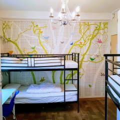 Отель Marken Guesthouse Кровать в мужском общем номере