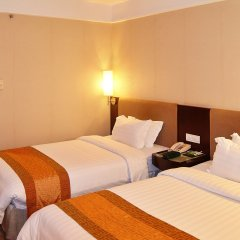 Guangdong Hotel 4* Улучшенный номер с различными типами кроватей