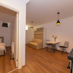 Отель Joy Suites 4* Люкс с различными типами кроватей