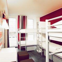 Отель ONE80° Hostels Berlin Кровать в общем номере с двухъярусной кроватью