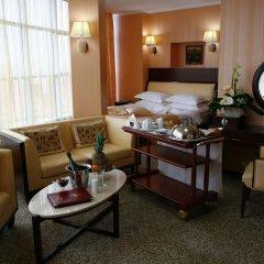 Гостиница Мартон Палас 4* Люкс с двуспальной кроватью