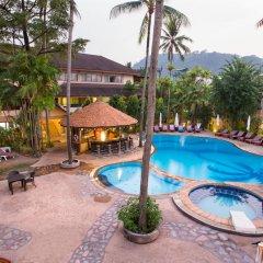Отель Coconut Village Resort открытый бассейн