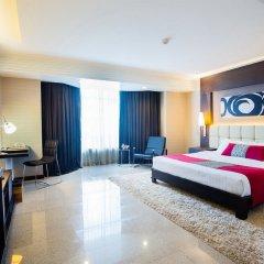 Отель DoubleTree by Hilton Bangkok Ploenchit 5* Номер Делюкс