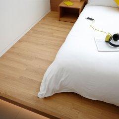 Отель L7 Myeongdong by LOTTE 4* Улучшенный номер с различными типами кроватей