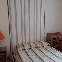 Отель Hôtel du Roi René 2* Стандартный номер с различными типами кроватей