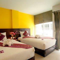 Отель PJ Patong Resortel 3* Улучшенный номер с 2 отдельными кроватями