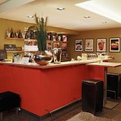 Hotel Blauer Bock гостиничный бар