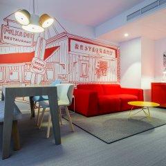 Отель Radisson RED Brussels гостиная