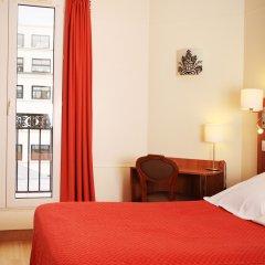 Отель Hôtel Marignan Стандартный номер с двуспальной кроватью (общая ванная комната)