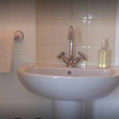 Отель Russell Guest House Великобритания, Брайтон - отзывы, цены и фото номеров - забронировать отель Russell Guest House онлайн ванная фото 3