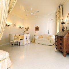 Отель Imperial Negresco - 5 Stars Holiday House Улучшенные апартаменты с различными типами кроватей