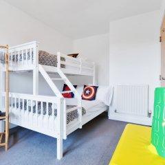 Отель Brighton's Best BIG House 4* Коттедж с различными типами кроватей
