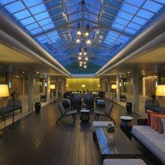 Отель Le Meridien Phuket Beach Resort деталь интерьера