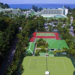 Отель Le Meridien Phuket Beach Resort теннисный корт