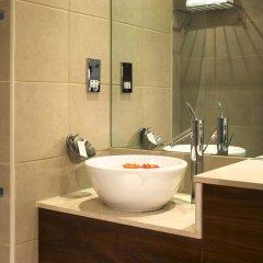 K West Hotel & Spa раковина ванной комнаты