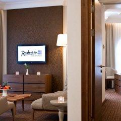 Radisson Blu Hotel, Kyiv Podil 4* Стандартный номер с различными типами кроватей фото 2