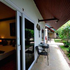 Phuket Airport Hotel крыльцо