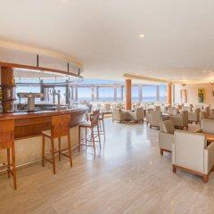 Отель Iberostar Playa Gaviotas - All Inclusive гостиничный бар
