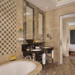 Отель The Reverie Saigon Residential Suites Вьетнам, Хошимин - отзывы, цены и фото номеров - забронировать отель The Reverie Saigon Residential Suites онлайн ванная
