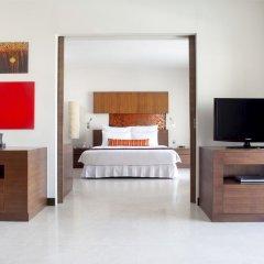 Отель Millennium Resort Patong Phuket 5* Представительский люкс с различными типами кроватей