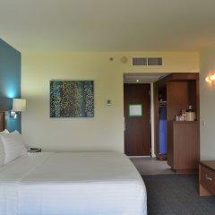 Отель Holiday Inn Guadalajara Expo 3* Стандартный номер с двуспальной кроватью