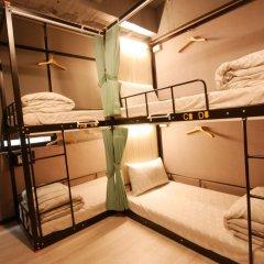 Backpackers Hostel-Ximending branch Кровать в мужском общем номере с двухъярусной кроватью