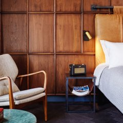 Отель The Hoxton, Amsterdam 4* Номер категории Премиум с двуспальной кроватью