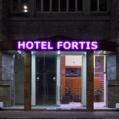 Гостиница Фортис вход в здание