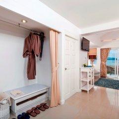 Отель Thavorn Beach Village Resort & Spa Phuket комната для гостей фото 7