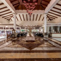 Отель Thavorn Beach Village Resort & Spa Phuket вестибюль