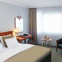 Отель Crowne Plaza Berlin City Centre 4* Стандартный номер с разными типами кроватей