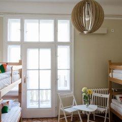 Roommates Hostel Кровать в общем номере