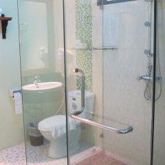 Отель Kata Garden Resort ванная фото 5