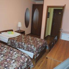 Гостиница Сансет 2* Стандартный номер с 2 отдельными кроватями (общая ванная комната)