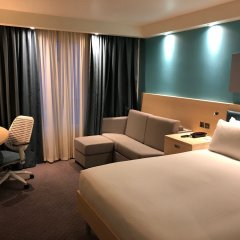 Отель Hampton by Hilton Bristol Airport 3* Стандартный номер с различными типами кроватей