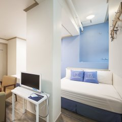 Отель K-guesthouse Sinchon 2 2* Номер Делюкс с различными типами кроватей